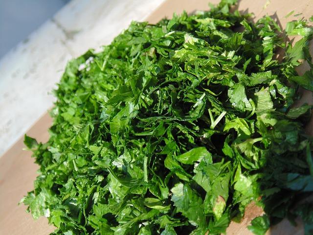 parsley-497195_640.jpg